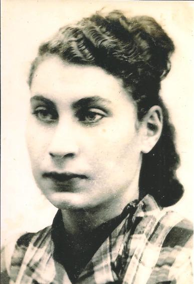 Cecília na Polonia - Depoimento da sobrevivente do Holocausto - Cecilia Gewertz